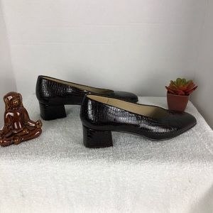 ETIENNE AIGNER LEATHER UPPER CHUNK HEEL SZ 7M